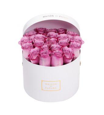 Lila Roses in 20x15cm in White Round MDF Box